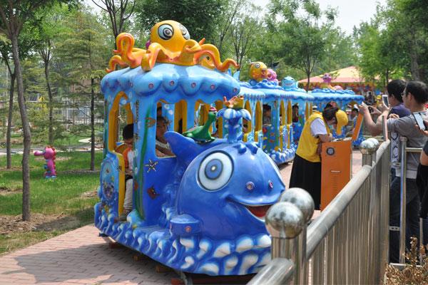 kid ocean track train ride for sale 03