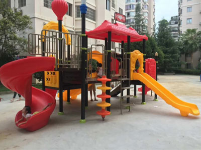 playground plastic slide installation case 03