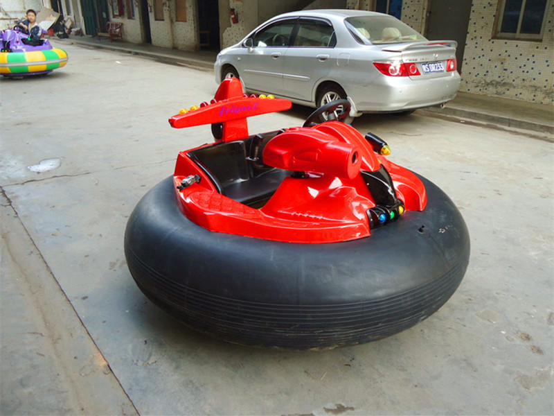 inflatable bumper car with gun 03