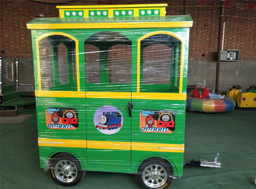 thomas trackless train cabin 04